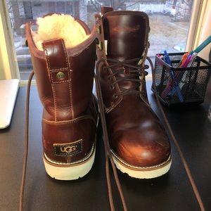 UGG men's hannen boot size 10 fits like 10.5